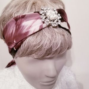 HOLLYWOOD HEADDRESS  WITH DETACHABLE BROOCH